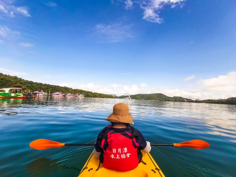 網站近期文章:[南投旅遊推薦]沒想到在日月潭泛舟這麼美 湖光山色美景  安全又好玩 還有電動天鵝船可以選擇  伊達邵遊客中心