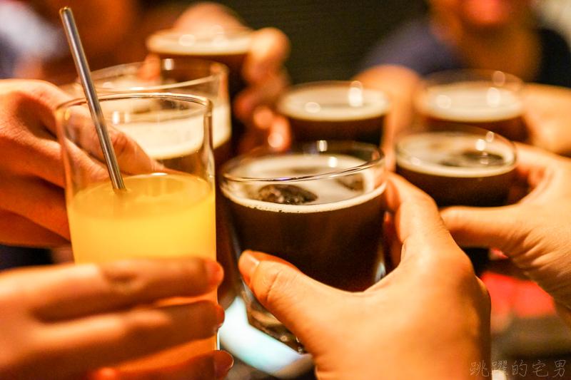 [花蓮夜生活]巢吧-放鬆的好地方  鮮釀小麥啤酒 綠啤酒真是好喝 不定期音樂活動  花蓮PUB  花蓮酒吧 @跳躍的宅男