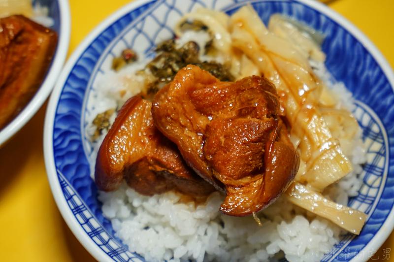 [花蓮早餐推薦]二訪鼎吉大腸鮮蚵麵線/爌肉飯-這家蚵仔超大顆又鮮美 雙料大腸麵線必吃 花蓮重慶市場美食