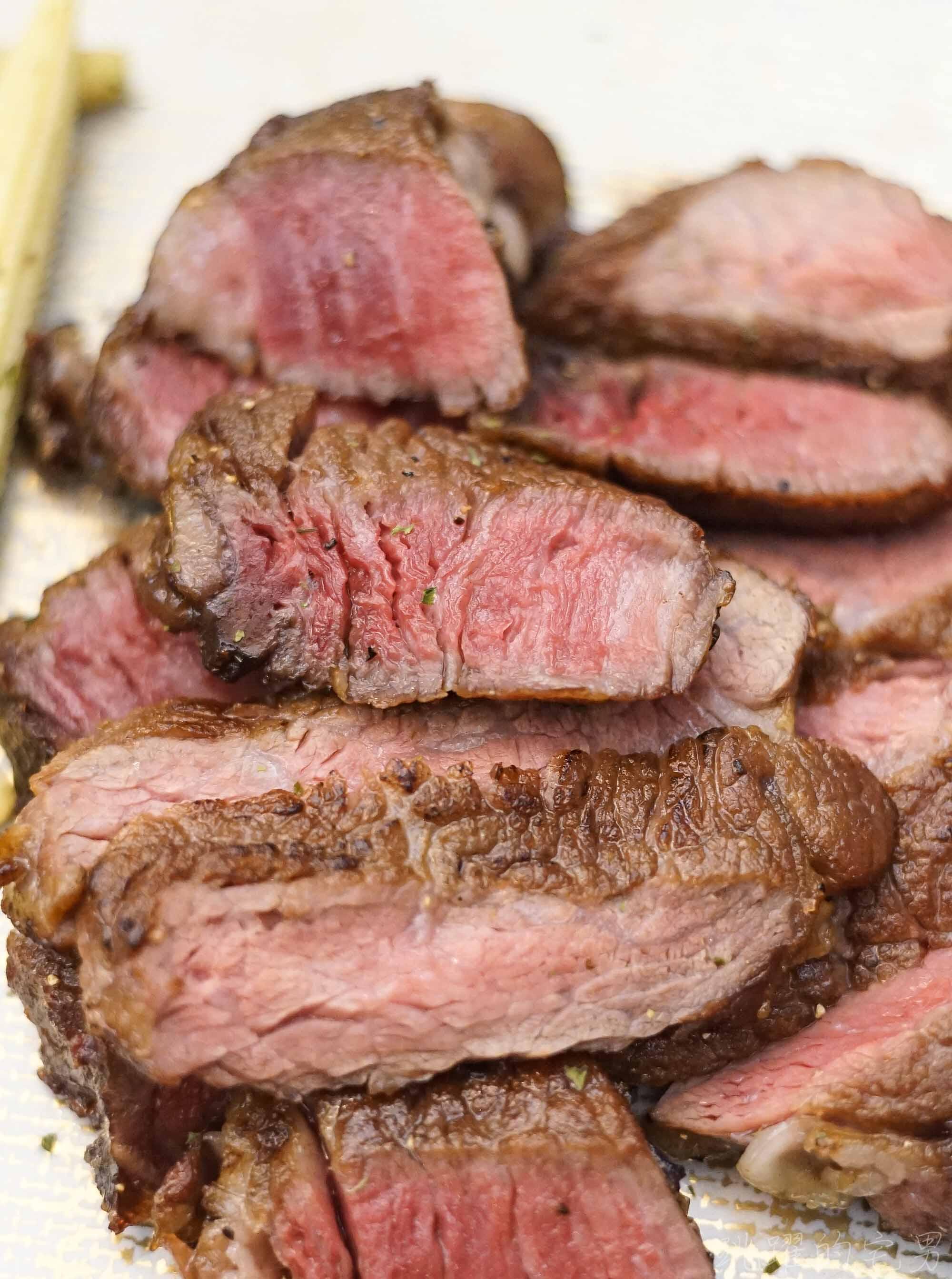 [花蓮市美食]職牛-初嘗60天乾式熟成牛排 深邃滋味讓人難以言喻 極黑和牛SRF 老饕上蓋牛排濃郁油香讓人一吃難忘 花蓮頂級牛排