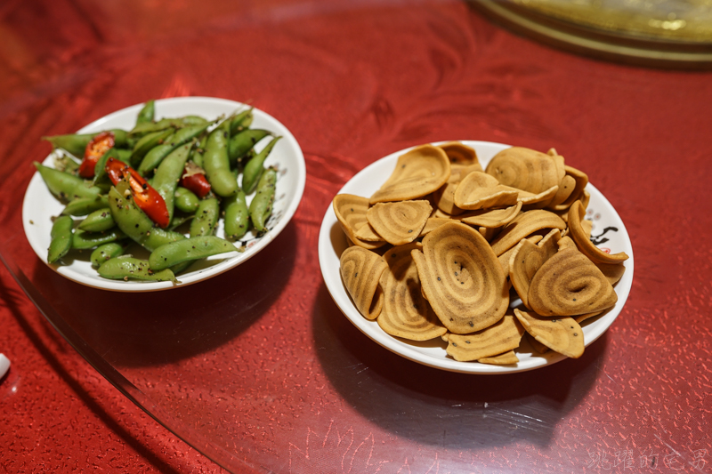 [桃園中壢美食]龍岡蒸籠宴-台灣居然也有蒙古包餐廳 吃飯經驗超特別  蒸籠宴不只有清蒸海鮮 南瓜炊飯超合我的味 親子遊戲區/停車場