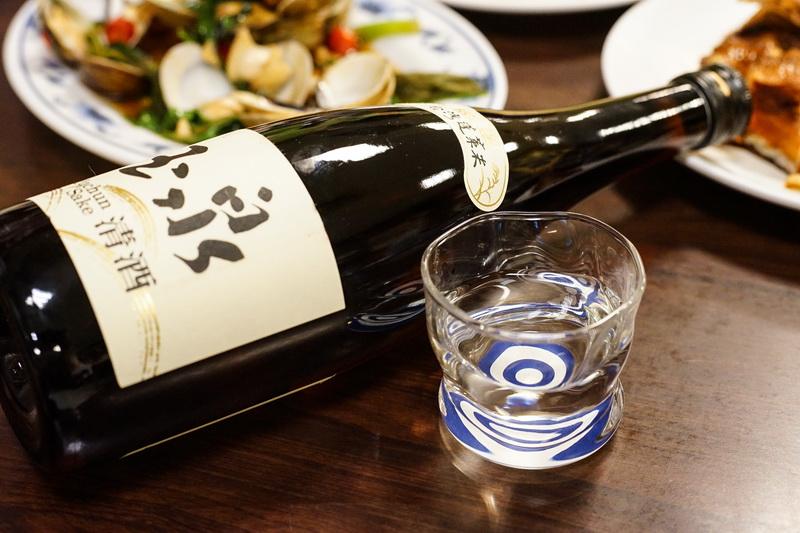 玉泉純米清酒- 滋味爽口價格超值 絕對不輸日本清酒  朋友聚會不可或缺的台灣清酒 上園海鮮熱炒 台北士林區美食 社子美食