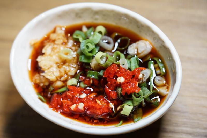 [台北松山區美食]Hi-Q褐藻生活館餐廳-泰式蕎麥麵超好吃還只有500卡,褐藻鮮魚膠質超豐富,來這家喝咖啡還不用錢?! 還有寵物休息室!