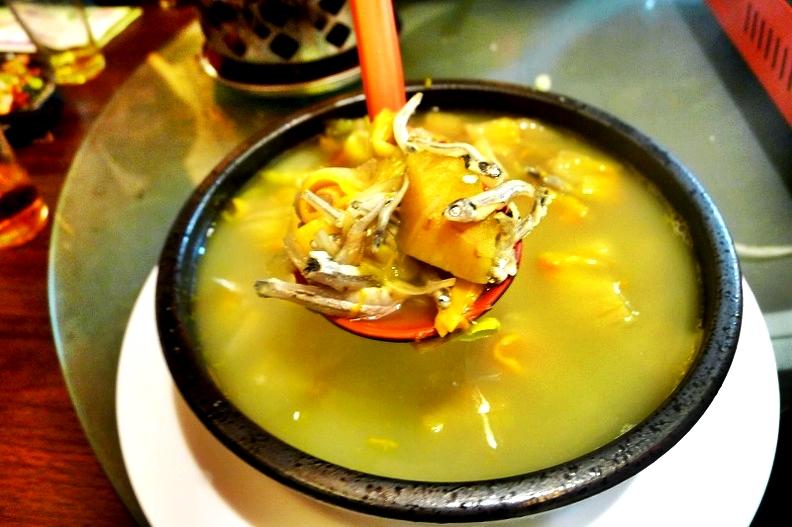 [花蓮東大門夜市]幸福牛舍風味水餃-你有吃過巴吉魯水餃嗎 有吃過剝皮辣椒雞水餃嗎 來這裡吃吧  麵包果等8種口味水餃  原住民一條街 花蓮美食 花蓮原住民料理