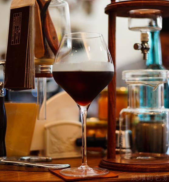 [花蓮咖啡廳]阿莫咖啡-焦糖布丁必吃 搭配自製果醬甜蜜好滋味 酥脆鬆餅搭配藝妓咖啡 花蓮下午茶推薦 花蓮甜點
