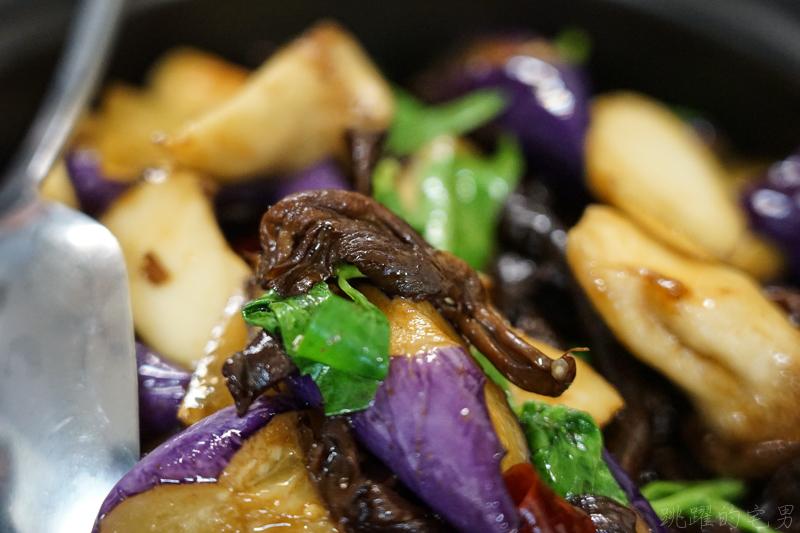[花蓮吉安美食]雲廚味道-滑嫩香辣豌豆粉 還有雲南特色料理 氣鍋雞與過橋麵線 單點 2人合菜都有  還提供素食料理