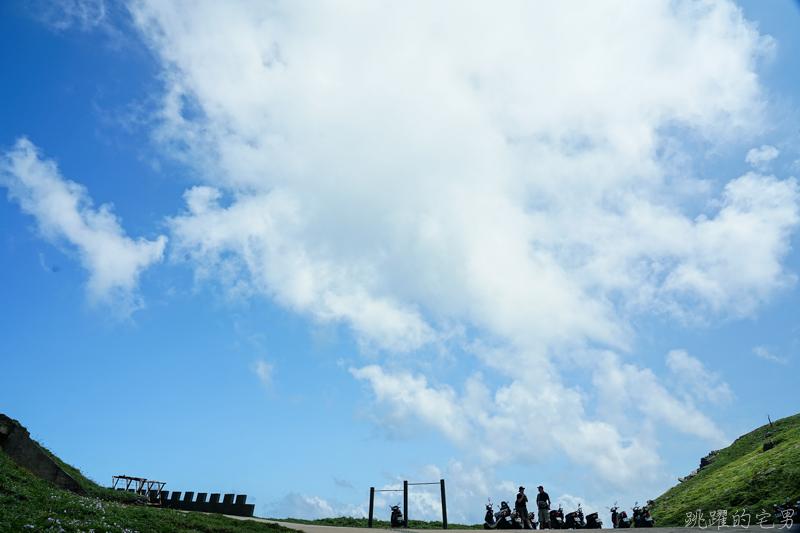 [2019馬祖旅遊VLOG]絕美景色 碧海藍天超夢幻 東引一日遊行程推薦-國之北疆、三山據點、海上看東引 東引島燈塔(內有影片)
