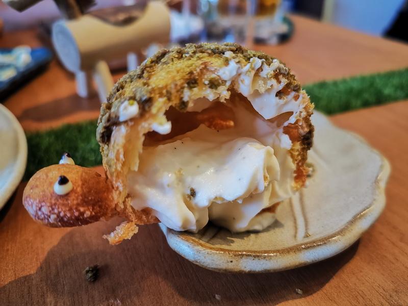 [花蓮甜點]Artemion's bakeshop蛋糕小賣所-海龜泡芙真可愛 蛋糕捲真好吃 不定期更換菜單 務必查看營業時間 花蓮文創旁