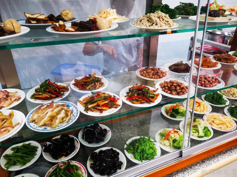 [花蓮吉安美食]2訪連發牛肉麵-餛飩牛肉湯麵好吃又實惠  扁食麵口感滋味我喜歡 辣椒好辣啊! 吉安麵店