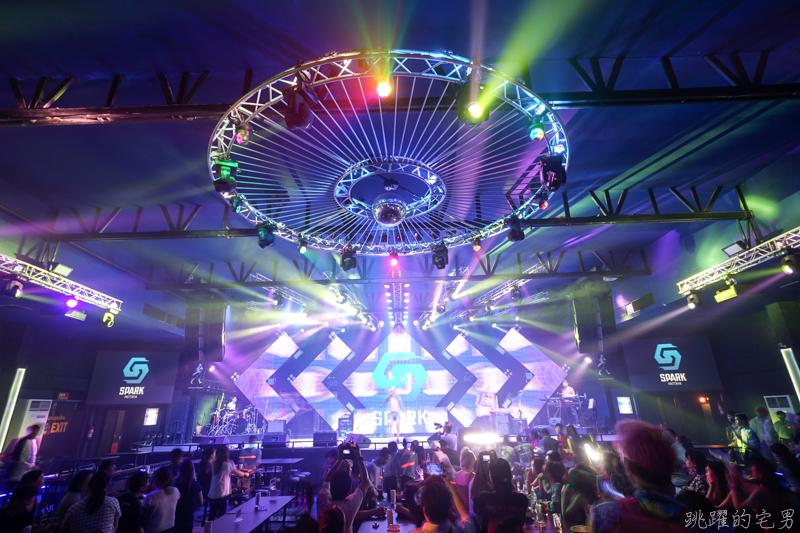 [芭達雅夜生活]Spark Pattaya-芭達雅大型夜店 現場Live Band  還有EDM DJ嗨翻全場  啤酒暢飲 生日派對 畢業旅行活動 芭達雅夜店