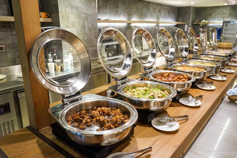 [2020嘉義住宿推薦]蘭桂坊花園酒店-轉角就是文化路夜市  飯店免費停車場&豐富早餐  阿霞火雞肉飯的五味鮮蚵讓我驚呆了 帥阿公傳統飲料 我自己的嘉義美食地圖