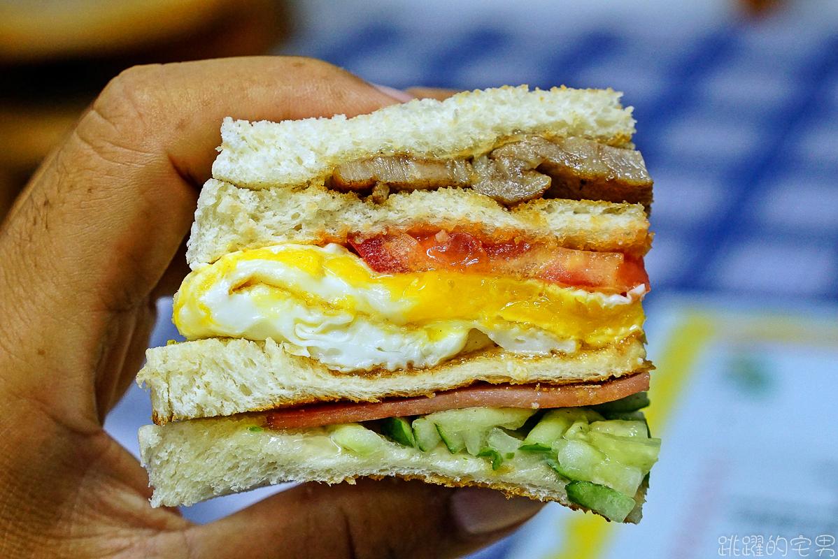 [花蓮早餐] 花蓮秒殺蛋餅! 假日早上8點就會賣完 在地人都願意排隊花蓮早餐 統帥美而美 手工蛋餅 黑椒烤總滙三明治必點