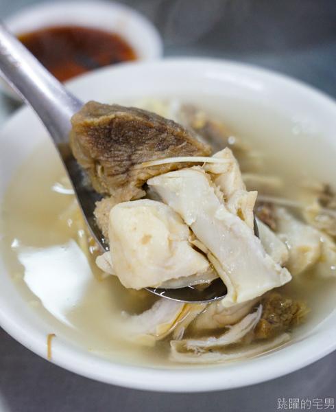 [嘉義美食]王家祖傳本產牛雜湯-超過百年市場傳統美食 超豪邁大鍋牛雜湯煮出來就是鮮美! 還能無限加湯喝到爽 嘉義人的體力來源  嘉義早餐推薦