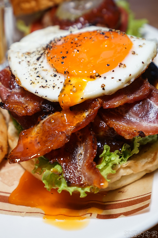[花蓮美食]玩漢堡 -雙層培根牛肉漢堡 特調醬汁美味超加分 搭配一大一小漢堡份量滿點  花蓮漢堡推薦