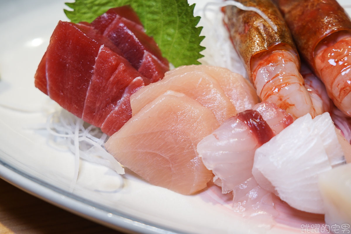 [台北石牌美食]連我媽都稱讚的無菜單料理 漁當家食堂 第一次吃到海泥鰍 第一次吃到的料理手法 北投美食推薦