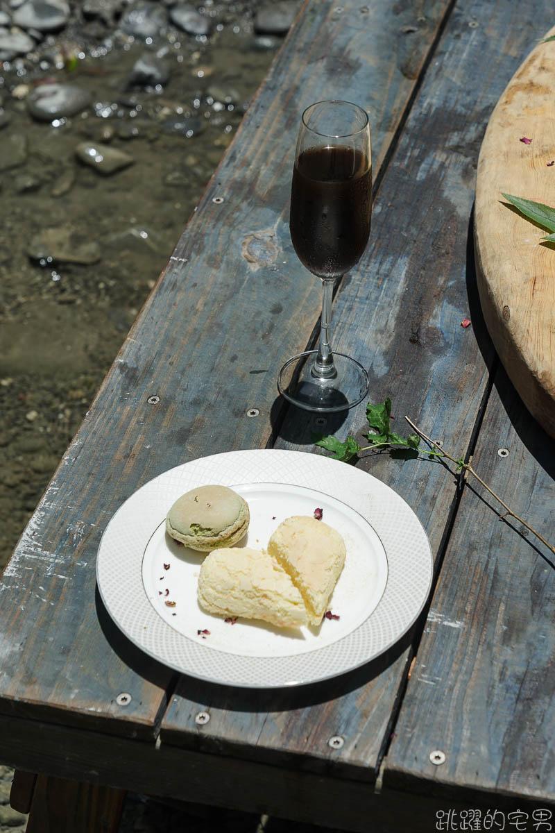 峽谷盪鞦韆好浮誇  清澈溪流吃美味料理 專人服務免動手 溪畔餐桌花蓮最美風景  姐妹閨密聚會親子活動超讚