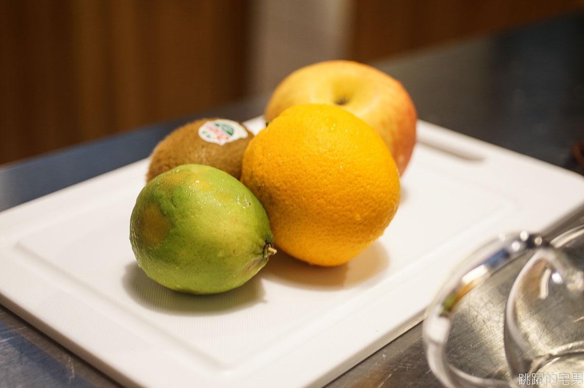 [花蓮甜點]A-Paul的小廚房-隱身公寓中純白空間靜謐舒適 15顆蘋果做蘋果派真材實料 鍋煮水果茶太好喝超推薦  古早味蛋蜜汁讓我驚豔 花蓮早上有開咖啡廳