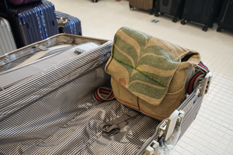 [花蓮特賣會] 百貨精品包包行李箱特賣會 Beside-U KinlochAnderson蘇格蘭皇室品牌包 OutdoorTeam專櫃品牌包最低2折起 女性包包、男性背包 公事包 專櫃名牌包2折起 行李箱1000元起,Eminent萬國行李箱6折優惠  全館數百種商品等你來買!