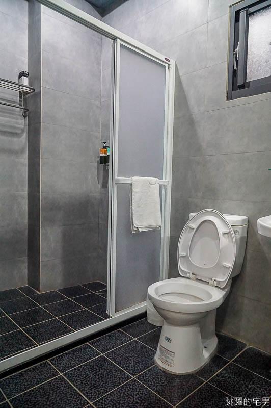 來台南住這裡  DiDi House 提供停車場 浴缸 電梯 門口有小七 附近就有阿輝炒鱔魚 肉粿 台南北區住宿  台南美食  來台南旅遊住宿的好地方 台南住宿