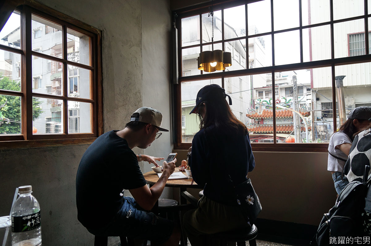 [台南美食] 還沒開門大排長龍的糯夫米糕 古早味麻油米糕 無魚翅羹 完全打動我的心 台南中西區美食 台南米糕推薦