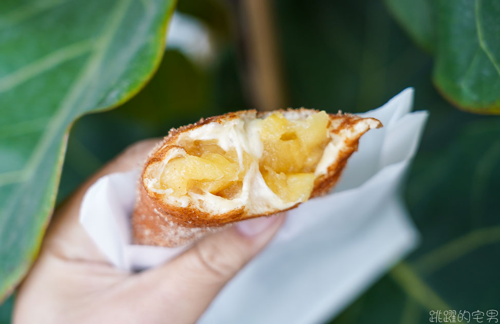 [花蓮甜點]欣芯炸麵包甜圈屋-現炸甜甜圈的滋味讓人滿滿幸福感 炸古早紅豆年糕棒必點  還有酸菜多拿滋 蘋果派  花蓮下午茶 花蓮美食 花蓮外帶甜點