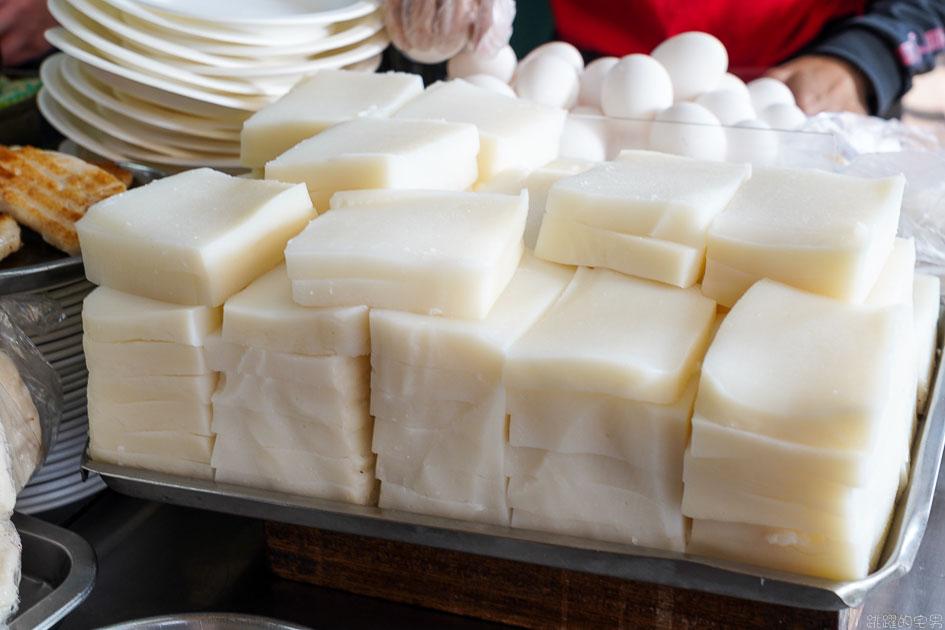 [台中第二市場美食]王家菜頭粿糯米腸- 沒人排隊可以試看看台中老店滋味 白白的不是我的菜  台中蘿蔔糕  台中小吃 台中中區美食 @跳躍的宅男