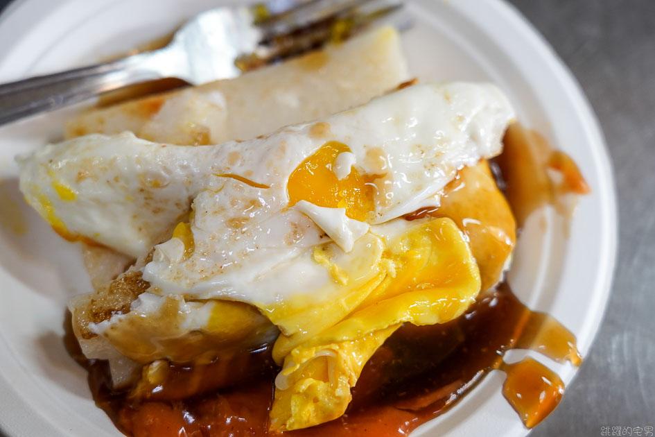 [台中第二市場美食]王家菜頭粿糯米腸- 沒人排隊可以試看看台中老店滋味 白白的不是我的菜  台中蘿蔔糕  台中小吃 台中中區美食