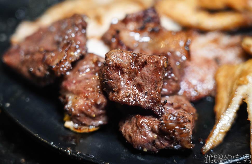 [花蓮美食]石屋燒肉火鍋- 花蓮燒肉吃到飽評論2500則 4.5顆星 還有哈根達斯無限吃 牛排 海鮮 蝦子 鮑魚烤給他爽 這樣還不吃爆  花蓮吃到飽 花蓮火鍋吃到飽