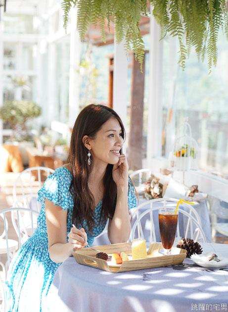 [清境咖啡廳推薦]來福居玻璃屋景觀咖啡廳-180度絕美山景 遠眺歐洲城堡老英格蘭山莊 我在台灣阿爾卑斯山喝下午茶  清境來福居民宿  南投清境景觀咖啡廳