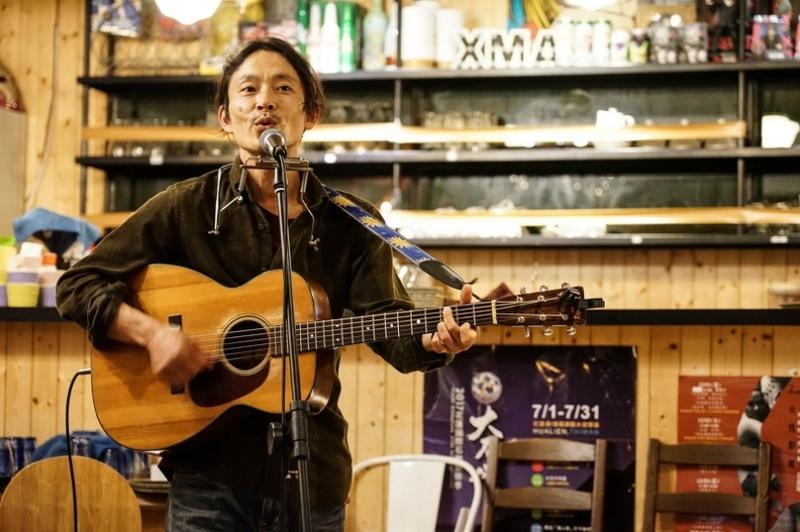 日本歌手小林徹也暖心花蓮 初訪台灣用歌聲溫暖大家的心 日本謝謝!(內有影片) @跳躍的宅男