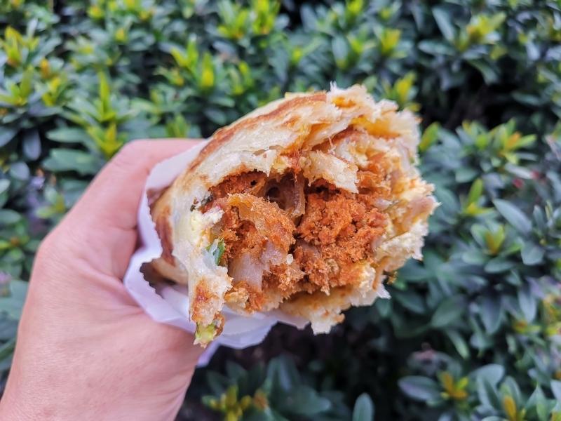 今日熱門文章:台北排隊早餐 上順興香Q飯糰隱藏版 蔥油餅飯糰好吃份量夠不油膩  大安區早餐推薦