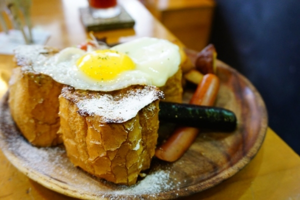 [台北捷運板橋站]好初早餐deli二號店-早午餐真好吃 環境輕鬆舒服 只是排隊的人潮要有心理準備 @跳躍的宅男