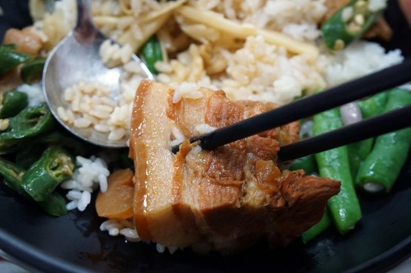 [花蓮吉安美食]欣瑩爌肉飯-清爽好吃滑嫩爌肉 會讓人想一吃再吃啊! @跳躍的宅男