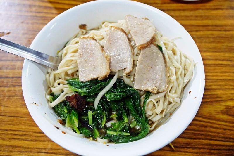 [花蓮市]台灣味麵店-重慶市場除了買菜之外,還有不少好吃的店唷 @跳躍的宅男