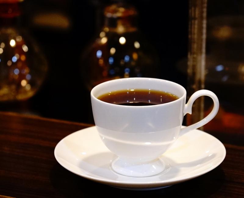 [台北捷運中和新蘆線頂溪站]季節香茶葉與咖啡烘焙屋-樸實咖啡館中傳來不只有咖啡香 老闆細心解說感覺真好 是我會想再來的店 @跳躍的宅男
