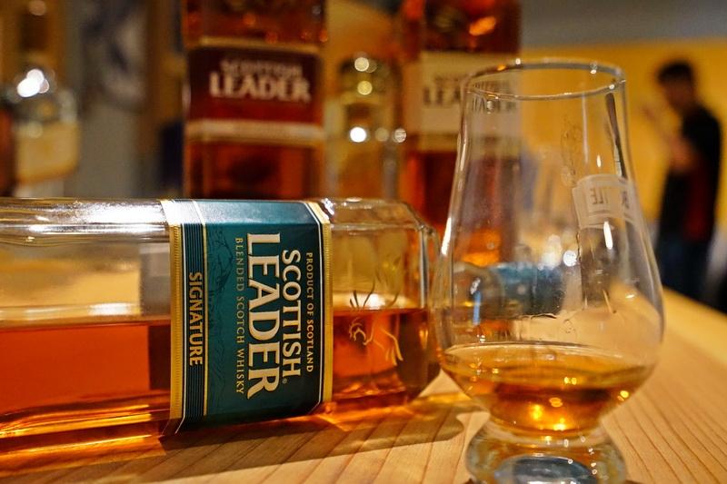 蘇格蘭仕高利達精選威士忌Scottish Leader Signature Blended Scotch Whisky @跳躍的宅男