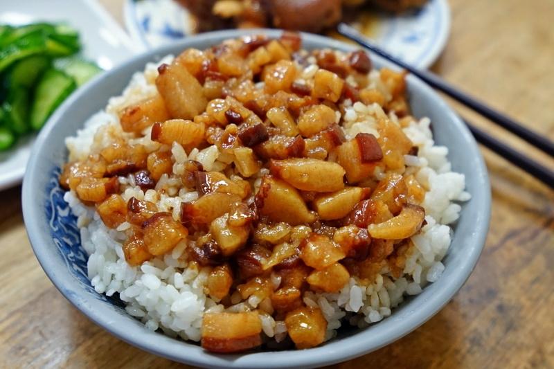 [花蓮美食]和平肉羹-魯肉飯是我喜歡的類型,還有賣豬腳麵線喔 @跳躍的宅男