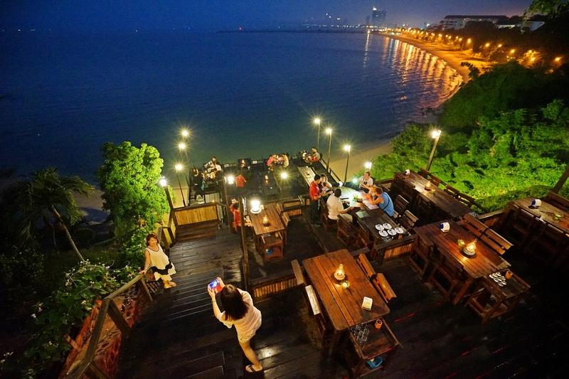 [泰國芭達雅美食] RIMPA LAPIN PATTAYA 懸崖餐廳  絕美浪漫海景不能錯過 @跳躍的宅男