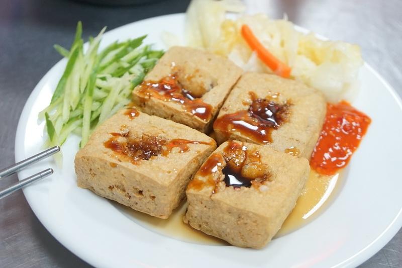 [花蓮美食]萬豆腐-酥脆臭豆腐好吃又夠味 @跳躍的宅男
