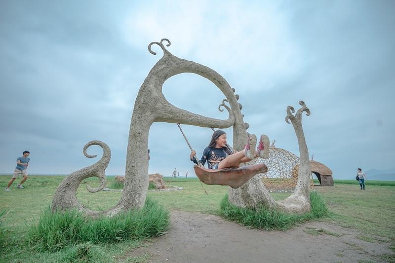 [花蓮豐濱景點]新社海稻田夢幻盪鞦韆-全台最大的臨海梯田 每年7月才有的黃金海岸 IG熱門打卡景點 @跳躍的宅男