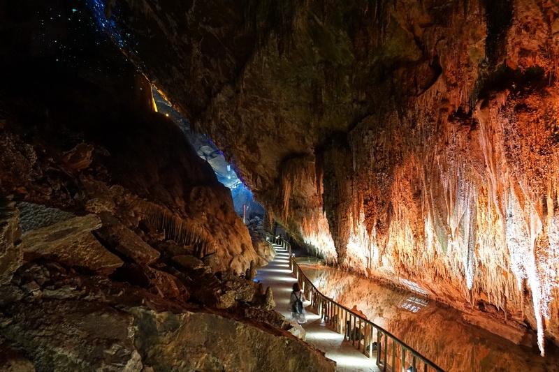 中國重慶景點推薦-武隆芙蓉洞-百萬年鐘乳石洞 世界三大洞穴之一  光影變幻心中卻有一片寧靜 中國5A級景點 @跳躍的宅男