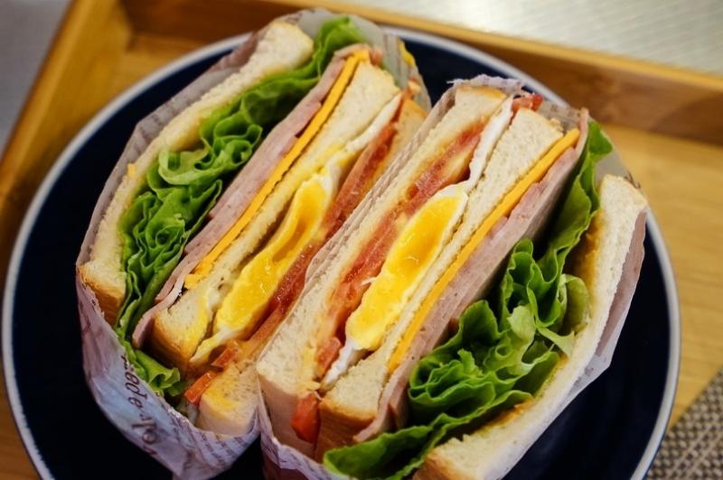 [花蓮美食]郭榮市火腿中華店-哈姆廚坊推出火腿三明治 外帶內用都可以唷 @跳躍的宅男