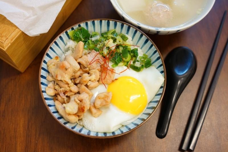 [花蓮美食]飯人餐車RiceMan-蔥油雞飯 炸醬飯好合我的味,讓我忍不住連吃了2碗啊! @跳躍的宅男