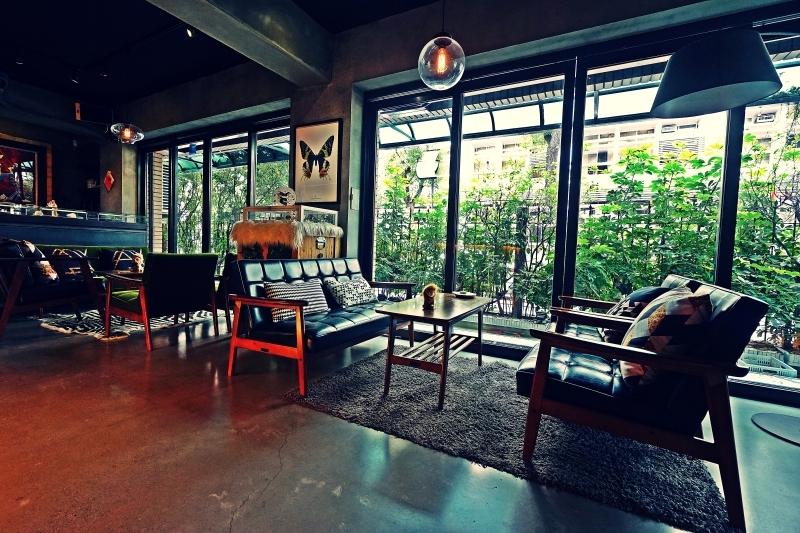 [台北大安區咖啡廳推薦]Uranium Cafe 鈾咖啡-設計美感悠閒空間  地下室獨立空間如高質感俱樂部 不限時有插座工作咖啡廳 忠孝復興咖啡廳推薦 @跳躍的宅男