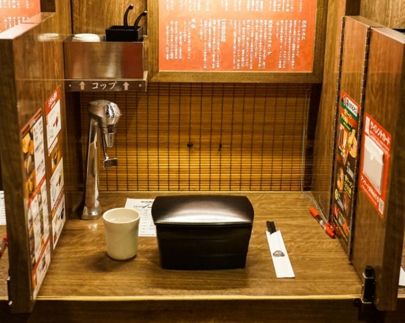"""[日本九州 福岡美食]一蘭拉麵限定""""方形碗"""" 只有天神西通り與福岡運河城博多店有 一蘭控快來吧~~ @跳躍的宅男"""