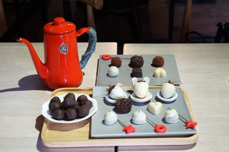 [花蓮]再訪Choco Choco-在地食材與巧克力的組合讓我一入口不禁嘴角上揚   味道強烈而鮮明的單品巧克力更是有打到我的味蕾 @跳躍的宅男